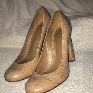 Tan leather Tory Burch heels with chunky heel